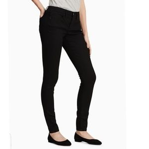 Calvin Klein Black Curvy Skinny Jeans 8x32
